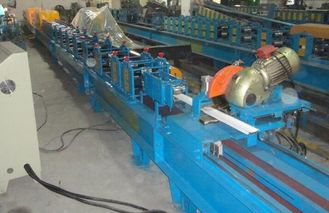 China PU Foamed Insulated Rolling Shutter Door Making Machine 3T Manual Uncoiler supplier
